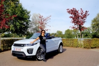 Quick Suzy: Range Rover Evoque Convertible met high (w)heels