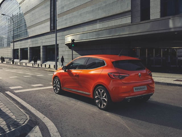 All New Renault Clio Intens 10