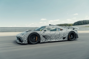 Mercedes-AMG Project ONE in de laatste rechte lijn