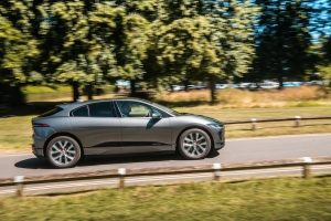 Jaguar Land Rover in stroomversnelling