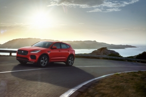 Jaguar presenteert E-PACE 'Chequered Flag'